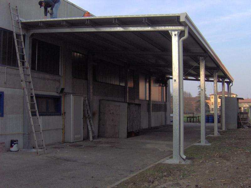 Realizzazione tettoie e pensiline carpenteria favaretto for Tettoie in ferro prezzi e offerte