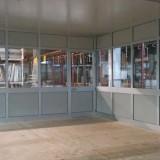 Ufficio completo di serramenti in alluminio e copertura in pannelli sandwich